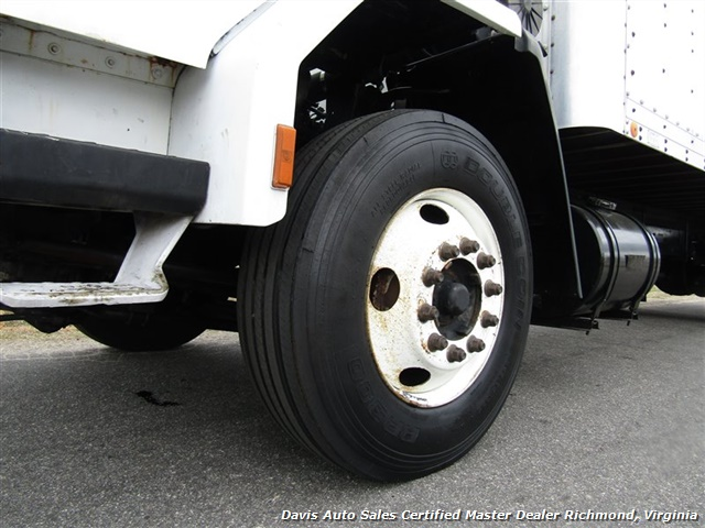 1995 Ford F700 CF7000 Cargo Series Diesel Roll Up 24 Foot Box Truck Van - Photo 24 - Richmond, VA 23237