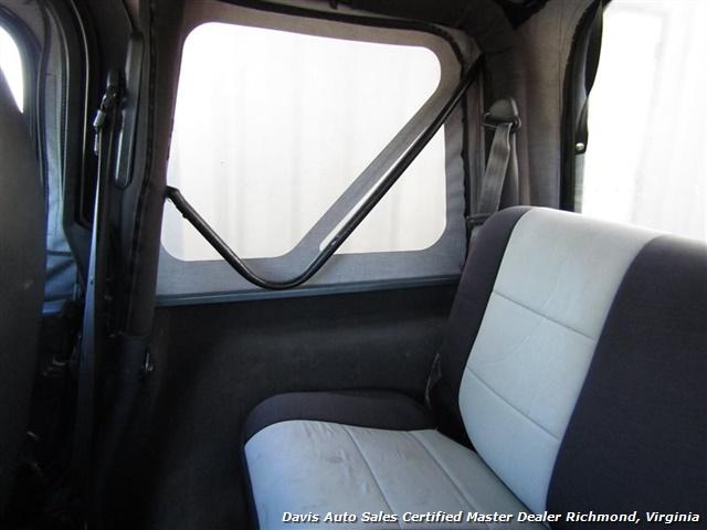 1999 Jeep Wrangler Sport SE 4X4 Manual Soft Top Off Road 4 Cylinder - Photo 21 - Richmond, VA 23237