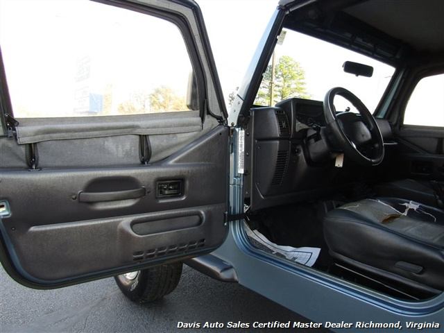 1999 Jeep Wrangler Sport SE 4X4 Manual Soft Top Off Road 4 Cylinder - Photo 5 - Richmond, VA 23237