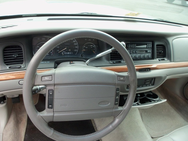 1995 Ford Crown Victoria Lx Sold