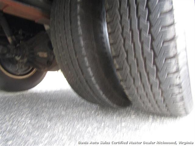 2011 Isuzu NPR Diesel Cab Over Supreme 12 Foot Work Box Van - Photo 21 - Richmond, VA 23237