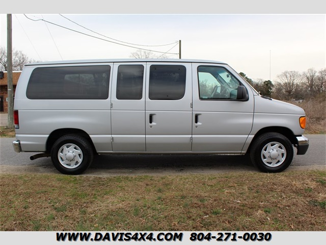 2006 Ford E-Series Van Passenger Wagon E-150 XLT Econoline