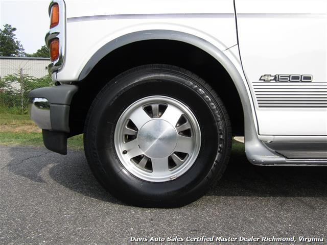2000 Chevrolet Express 1500 Premier Motor Coach Custom Conversion - Photo 29 - Richmond, VA 23237