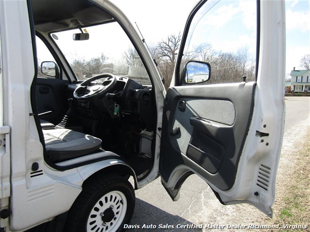 1991 Mitsubishi Mini Cab 12 Valve TD Right Side Drive Manual Shift - Photo 6 - Richmond, VA 23237