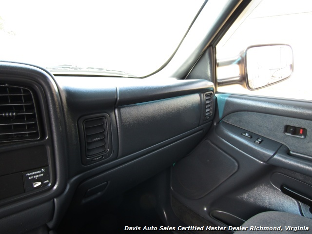 2002 Chevrolet Silverado 2500 HD LS Lifted 4X4 Extended Cab Short Bed Low Miles - Photo 33 - Richmond, VA 23237