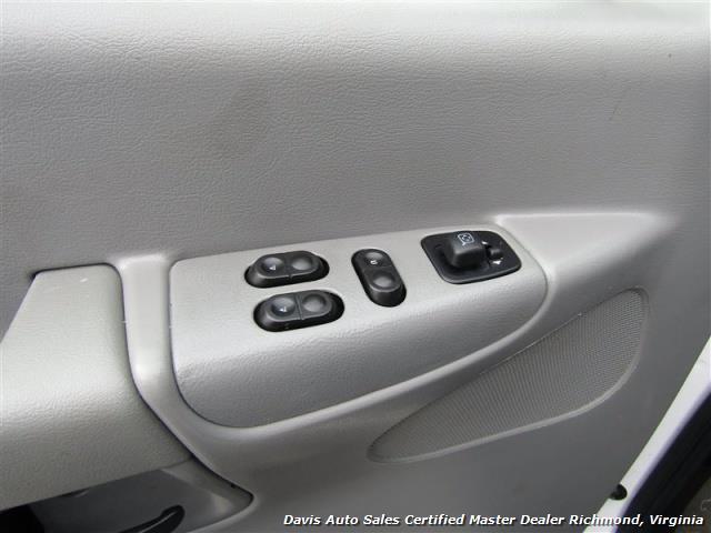 2007 Ford E-350 Super Duty XLT 12 Passenger E-Series Econoline Wagon - Photo 16 - Richmond, VA 23237