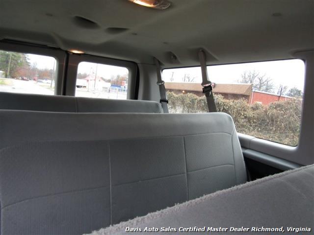 2007 Ford E-350 Super Duty XLT 12 Passenger E-Series Econoline Wagon - Photo 9 - Richmond, VA 23237