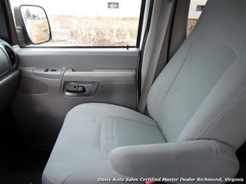 2007 Ford E-350 Super Duty XLT 12 Passenger E-Series Econoline Wagon - Photo 8 - Richmond, VA 23237