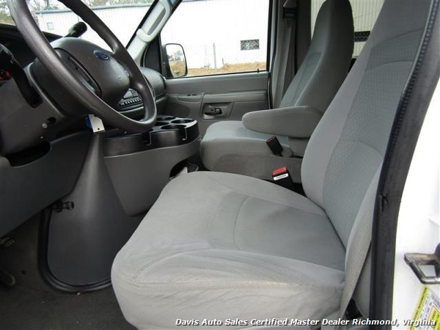 2007 Ford E-350 Super Duty XLT 12 Passenger E-Series Econoline Wagon - Photo 4 - Richmond, VA 23237