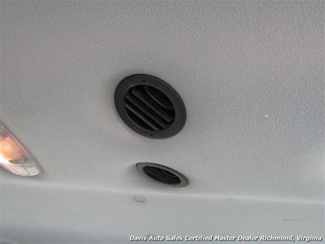 2007 Ford E-350 Super Duty XLT 12 Passenger E-Series Econoline Wagon - Photo 23 - Richmond, VA 23237