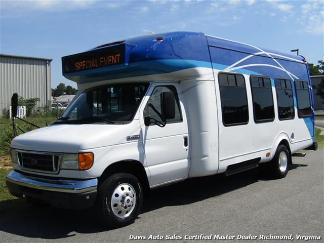 2007 ford e450 super duty startrans passenger shuttle bus wheelchair accessable drw. Black Bedroom Furniture Sets. Home Design Ideas