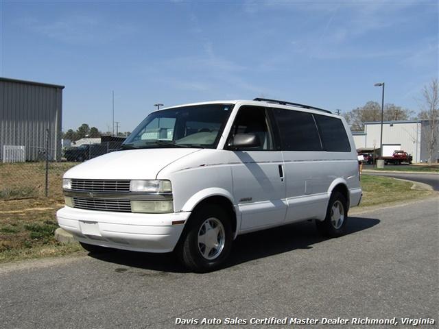 2000 Chevrolet Astro LS Passenger / Family Mini - Photo 1 - Richmond, VA 23237