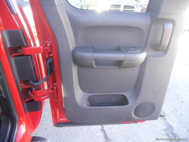 2011 GMC Sierra 2500 SLE Extended Cab 4x4 - Photo 28 - Brighton, CO 80603