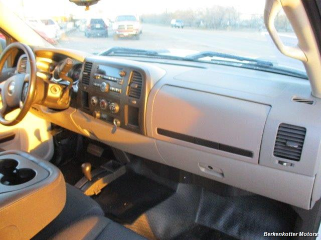 2012 Chevrolet Silverado 2500 Crew Cab 4x4 - Photo 27 - Brighton, CO 80603