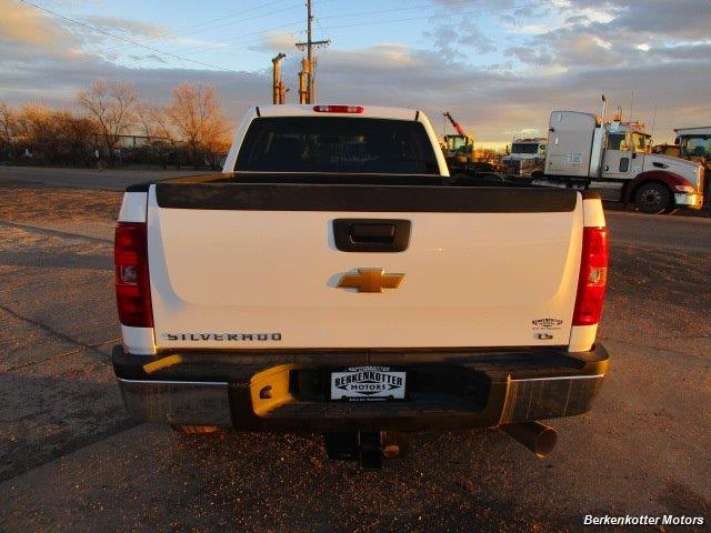 2012 Chevrolet Silverado 2500 Crew Cab 4x4 - Photo 7 - Brighton, CO 80603