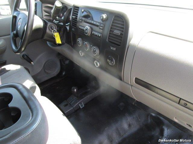 2008 GMC Sierra 3500 Extended Cab Dually 4x4 - Photo 16 - Parker, CO 80134