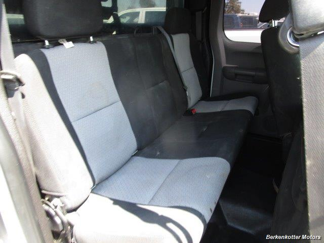 2008 GMC Sierra 3500 Extended Cab Dually 4x4 - Photo 21 - Parker, CO 80134