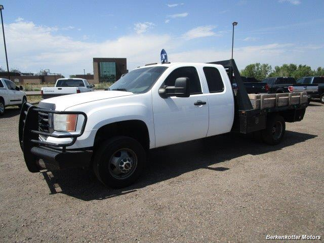 2008 GMC Sierra 3500 Extended Cab Dually 4x4 - Photo 10 - Parker, CO 80134