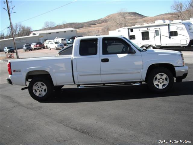 2006 Chevrolet Silverado 1500 LS - Photo 11 - Brighton, CO 80603