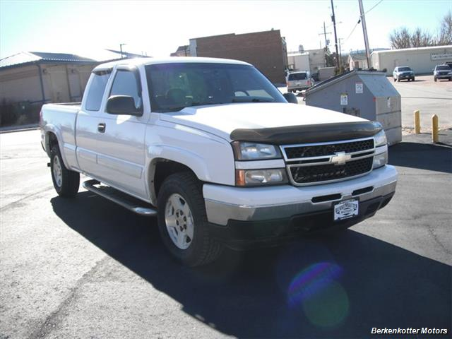 2006 Chevrolet Silverado 1500 LS - Photo 1 - Brighton, CO 80603
