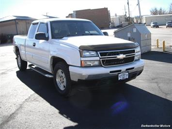 2006 Chevrolet Silverado 1500 LS - Photo 13 - Brighton, CO 80603