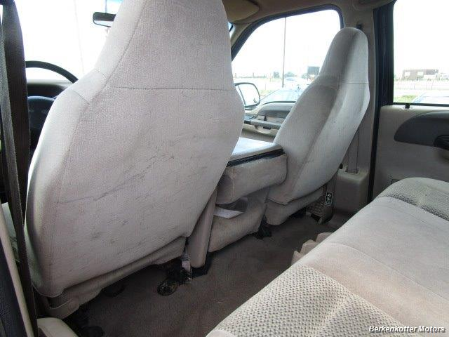 2001 Ford F-250 Super Duty XLT Crew Cab 4x4 - Photo 24 - Castle Rock, CO 80104
