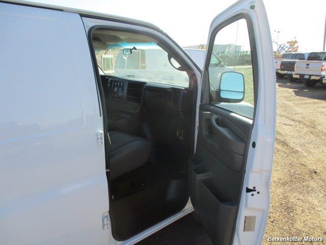 2014 Chevrolet Express 1500 AWD Cargo 4x4 - Photo 27 - Brighton, CO 80603