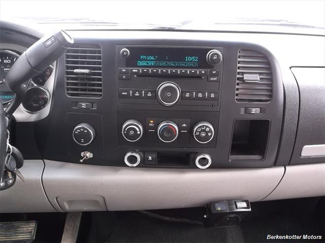 2007 Chevrolet Silverado 1500 XLT Extended Cab 4x4 - Photo 11 - Castle Rock, CO 80104