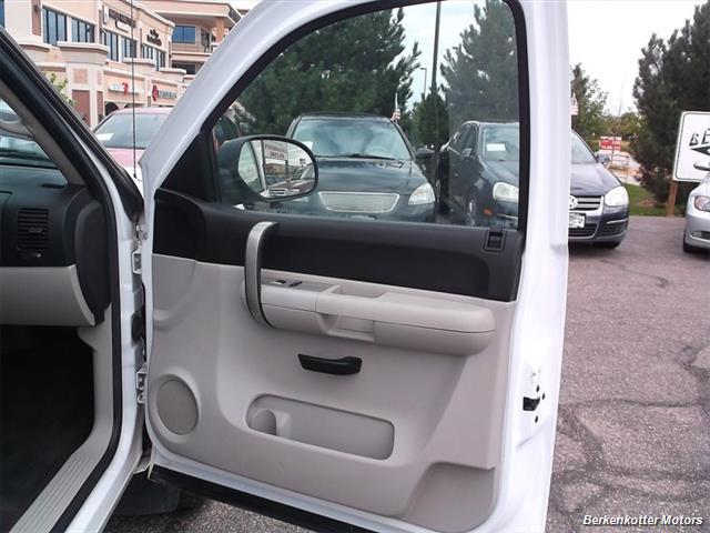 2007 Chevrolet Silverado 1500 XLT Extended Cab 4x4 - Photo 17 - Castle Rock, CO 80104