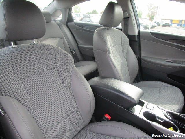 2013 Hyundai Sonata SE - Photo 28 - Castle Rock, CO 80104