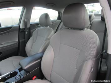2013 Hyundai Sonata SE - Photo 16 - Castle Rock, CO 80104