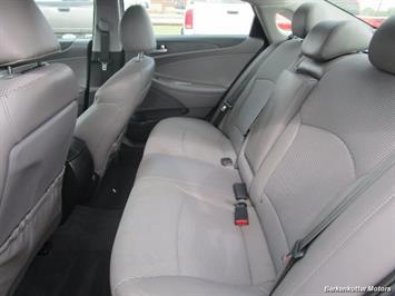 2013 Hyundai Sonata SE - Photo 24 - Castle Rock, CO 80104