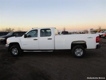 2014 Chevrolet Silverado 3500 Crew Cab 4x4 - Photo 5 - Brighton, CO 80603