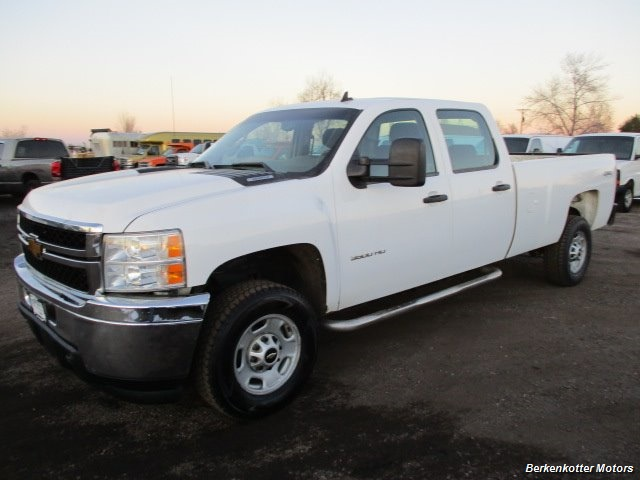 2014 Chevrolet Silverado 3500 Crew Cab 4x4 - Photo 4 - Brighton, CO 80603