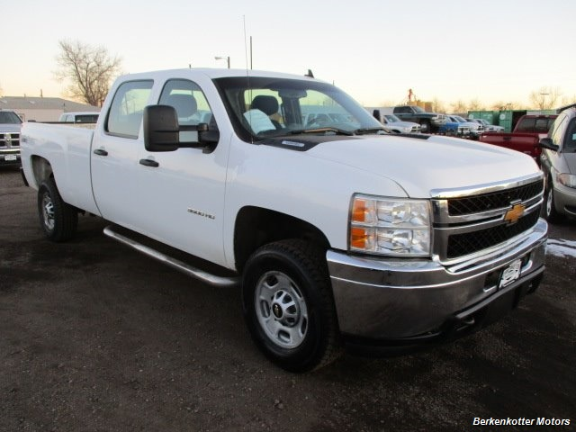 2014 Chevrolet Silverado 3500 Crew Cab 4x4 - Photo 11 - Brighton, CO 80603