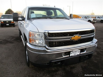 2014 Chevrolet Silverado 3500 Crew Cab 4x4 - Photo 2 - Brighton, CO 80603