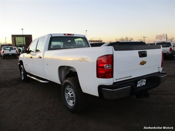 2014 Chevrolet Silverado 3500 Crew Cab 4x4 - Photo 6 - Brighton, CO 80603