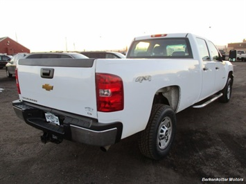 2014 Chevrolet Silverado 3500 Crew Cab 4x4 - Photo 8 - Brighton, CO 80603