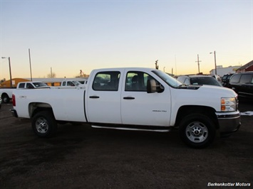 2014 Chevrolet Silverado 3500 Crew Cab 4x4 - Photo 10 - Brighton, CO 80603