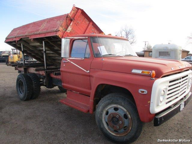 1970 Ford S600 Regular Cab Flatbed DUMP - Photo 1 - Brighton, CO 80603