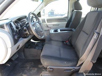 2013 Chevrolet Silverado 2500 Extended Cab 4x4 - Photo 34 - Brighton, CO 80603