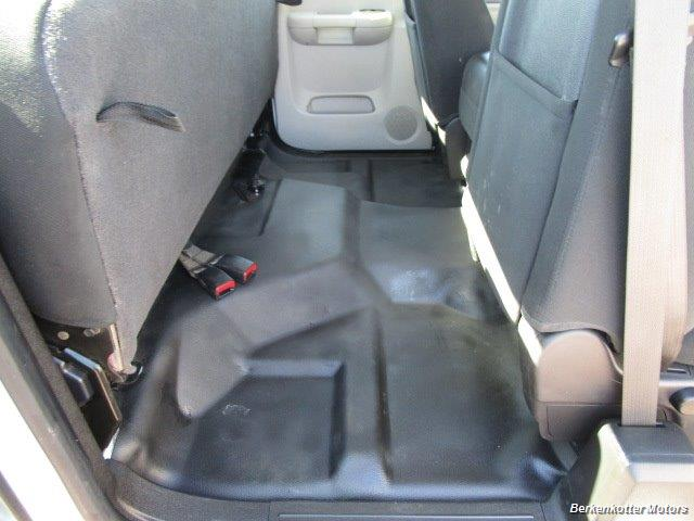 2013 Chevrolet Silverado 2500 Extended Cab 4x4 - Photo 29 - Brighton, CO 80603