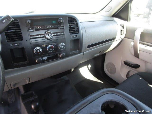 2013 Chevrolet Silverado 2500 Extended Cab 4x4 - Photo 37 - Brighton, CO 80603