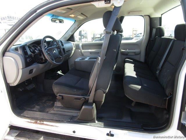 2013 Chevrolet Silverado 2500 Extended Cab 4x4 - Photo 32 - Brighton, CO 80603