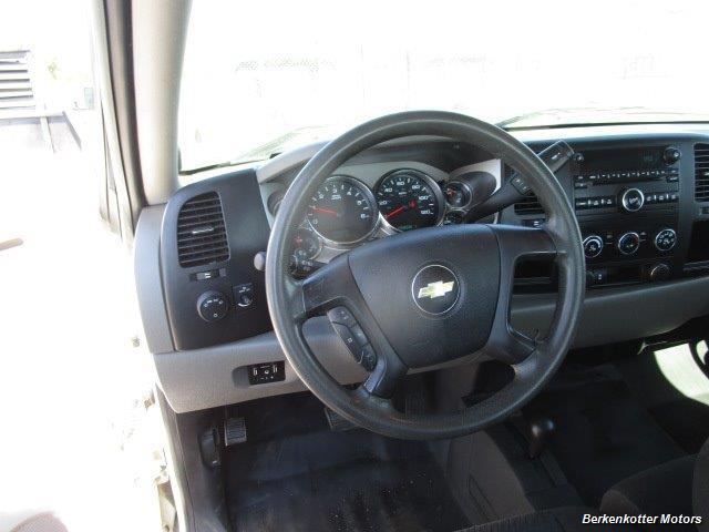 2013 Chevrolet Silverado 2500 Extended Cab 4x4 - Photo 36 - Brighton, CO 80603