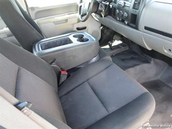 2013 Chevrolet Silverado 2500 Extended Cab 4x4 - Photo 22 - Brighton, CO 80603