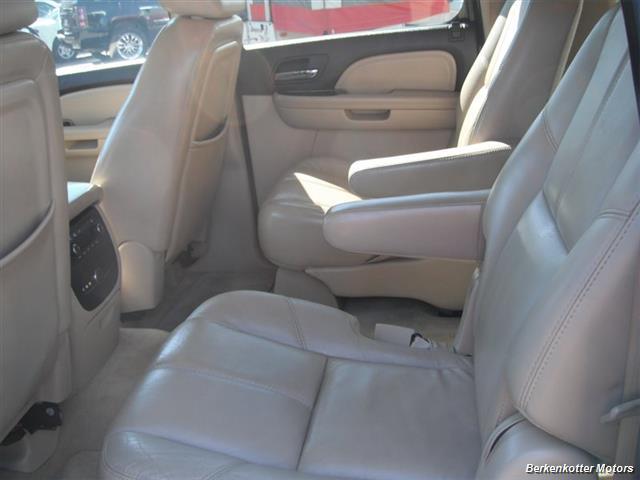 2007 GMC Yukon XL Denali AWD - Photo 19 - Brighton, CO 80603