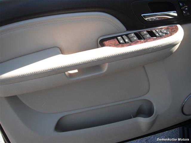 2007 GMC Yukon XL Denali AWD - Photo 14 - Brighton, CO 80603