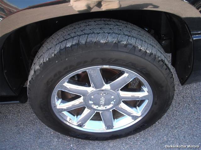 2007 GMC Yukon XL Denali AWD - Photo 6 - Brighton, CO 80603