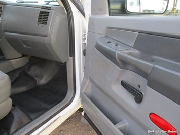2009 Dodge Ram Chassis 4500 Crew Cab LWB Flatbed 4x4 - Photo 14 - Fountain, CO 80817